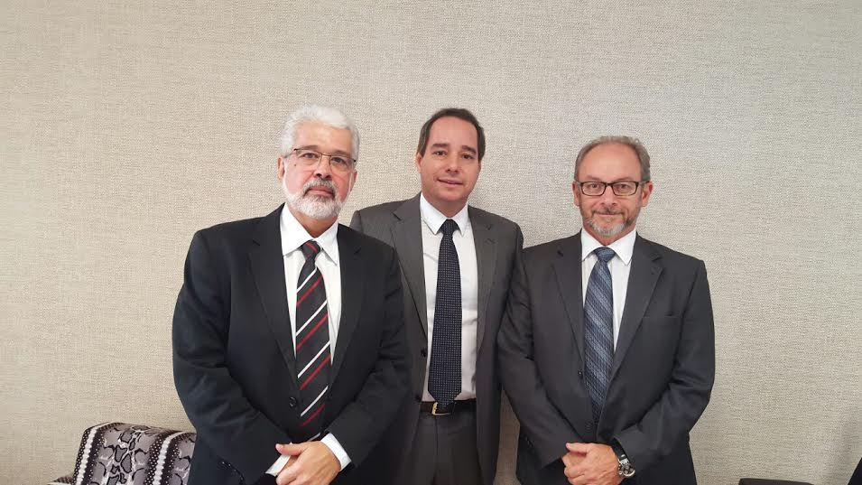 Luis Tibé recebe agradecimento por repasse à instituição de saúde de Belo Horizonte